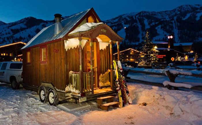 Мобильный лыжный домик Зака