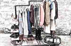 Стильная вешалка стойка для одежды